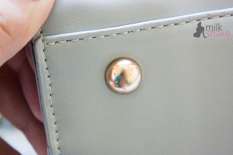Button on the handbag
